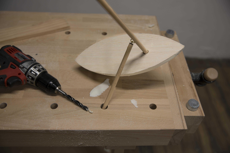 Fabriquer un petit voilier de bassin en bois for Fabriquer un bassin