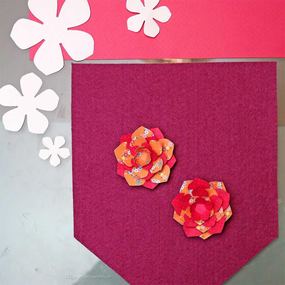 Medium banniere feutrine fleurs papier pompons 7