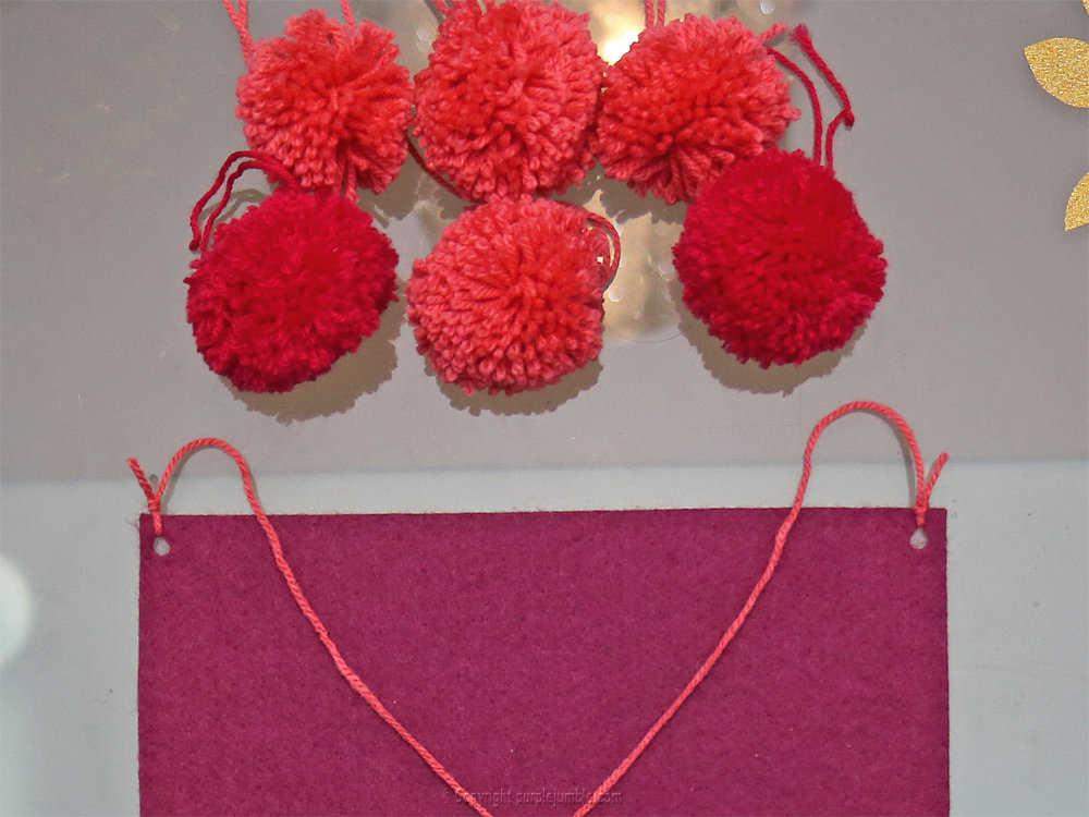 Medium banniere feutrine fleurs papier pompons 18