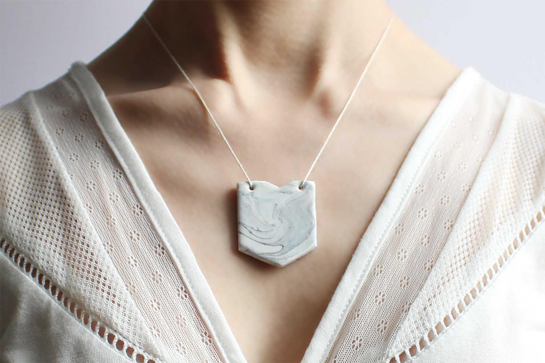 Medium ptak collier marbre