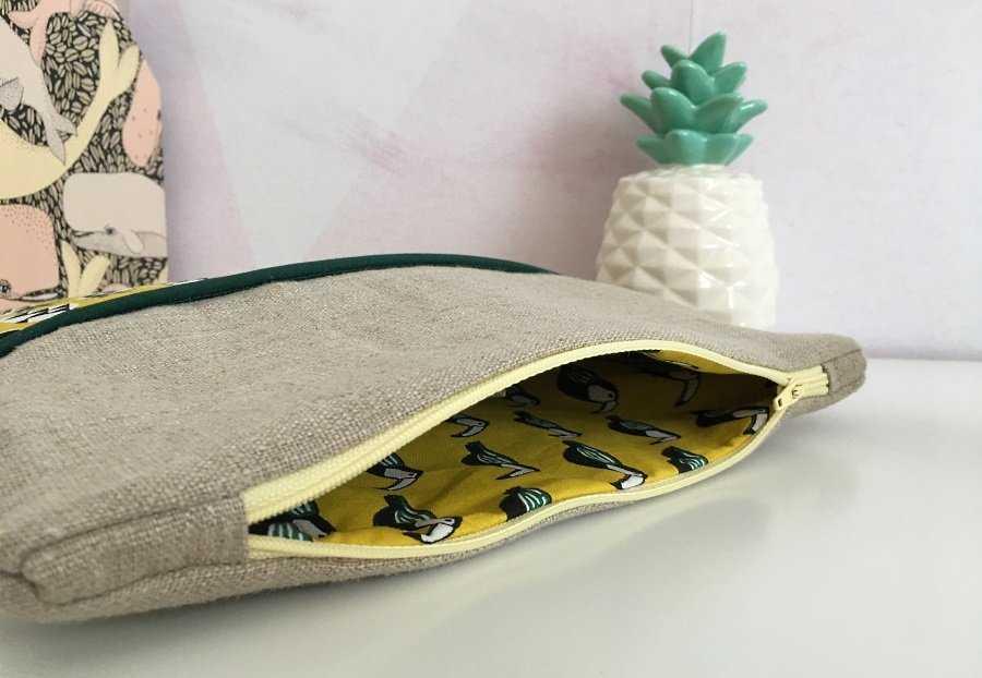 Medium pochette tropicale ouverte avec doublure toucans